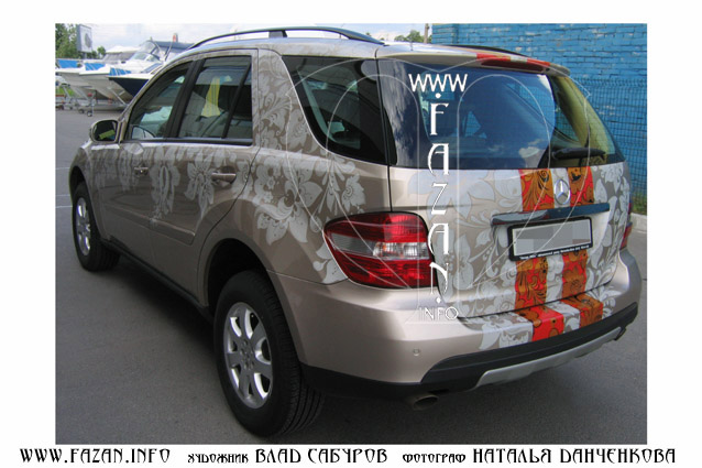 Аэрография  в стиле хохлома на автомобиле Mercedes Benz ML 350. Фото 14.