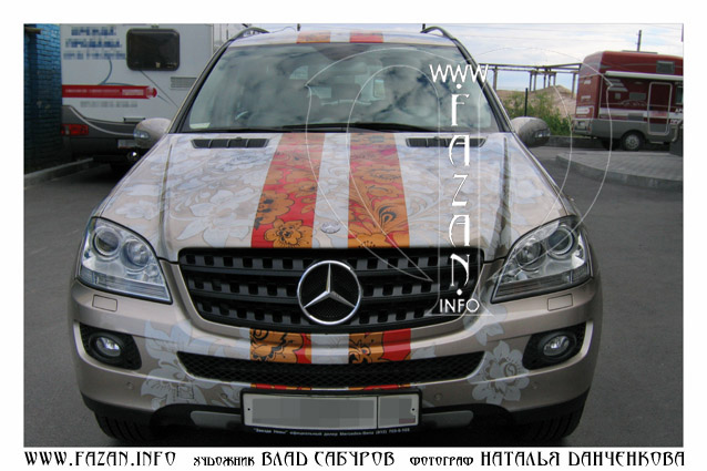 Аэрография  в стиле хохлома на автомобиле Mercedes Benz ML 350. Фото 03.